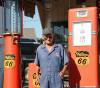 この画像は、サイトの記事「爆笑無料! サンドウィッチマン コント ガソリンスタンド! ギャグ炸裂 お笑い動画 YouTubeまとめ!」のイメージ写真画像として利用しています。